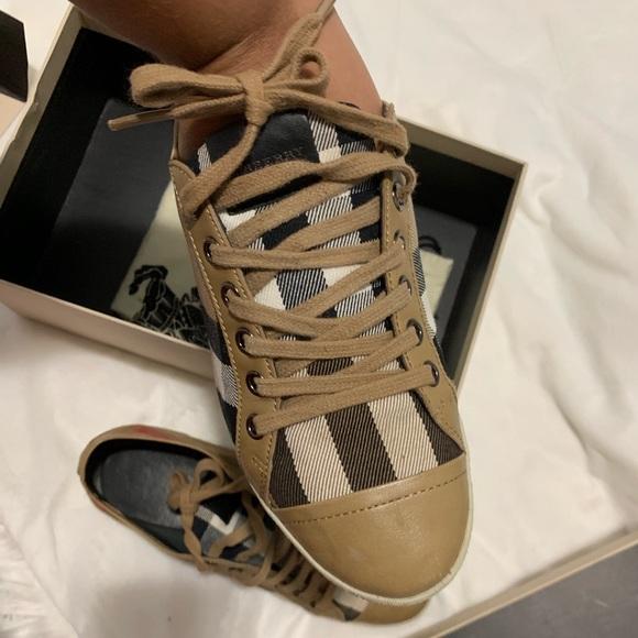 buy \u003e burberry converse sneakers \u003e Up